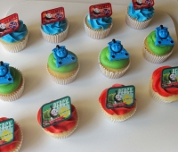Thomas and Friends Cupcakes (1280x1069)